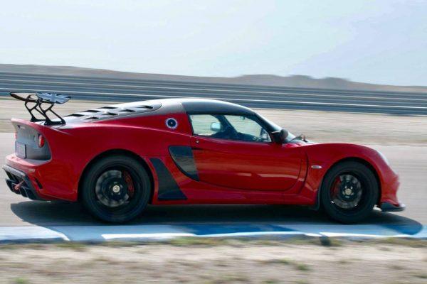 A red racing car
