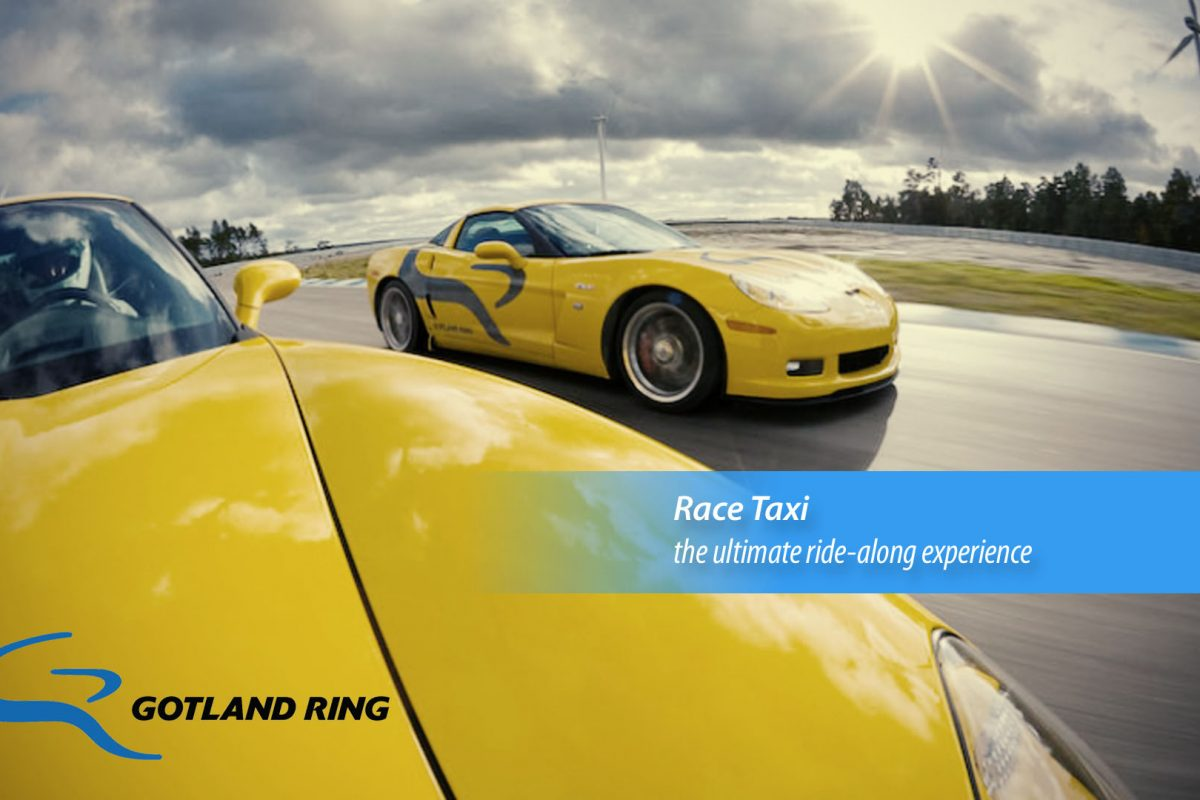 Gotland Ring banner with yellow race cars
